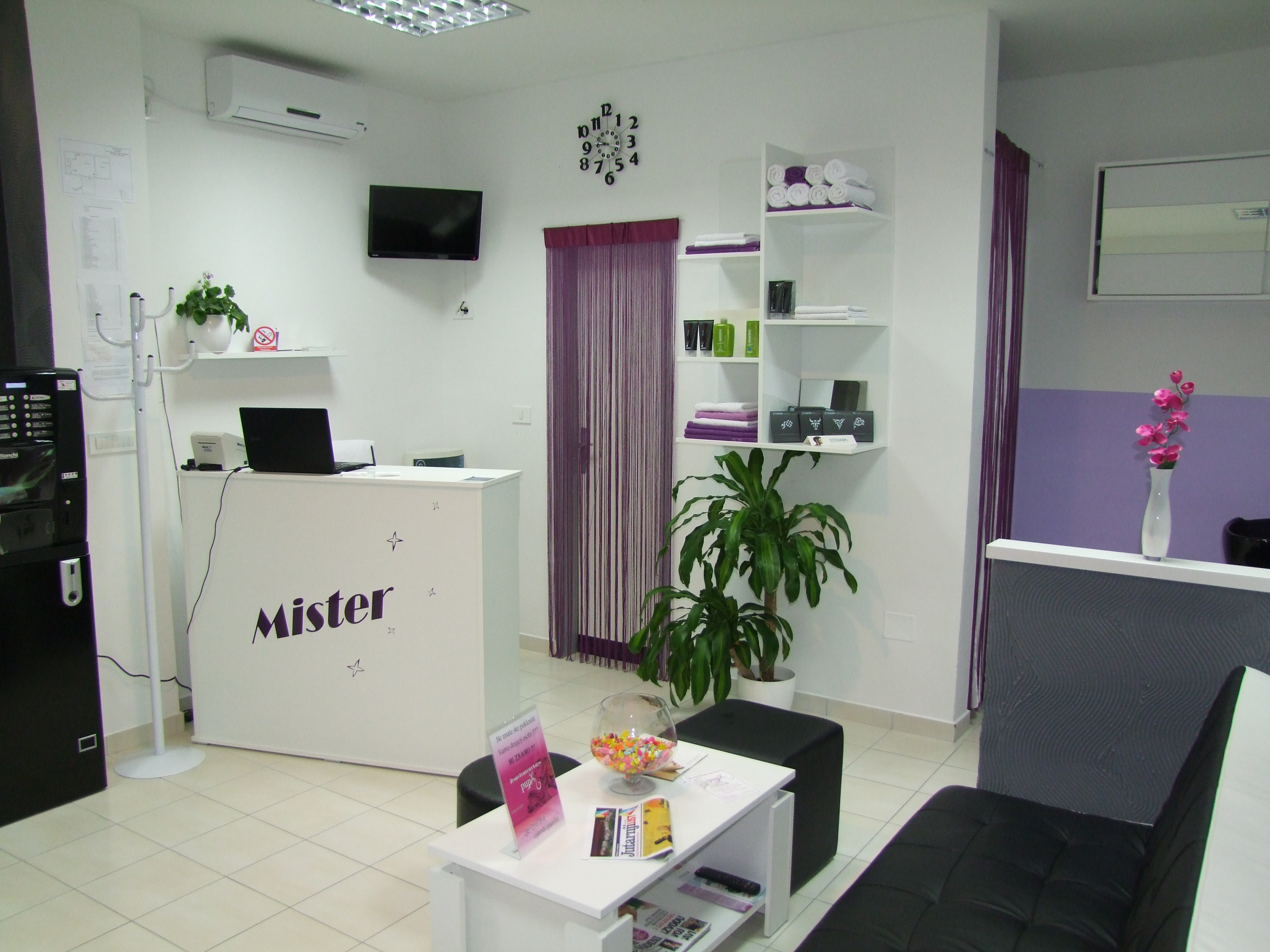 "Hairdressing salon for men: ""Mister"""